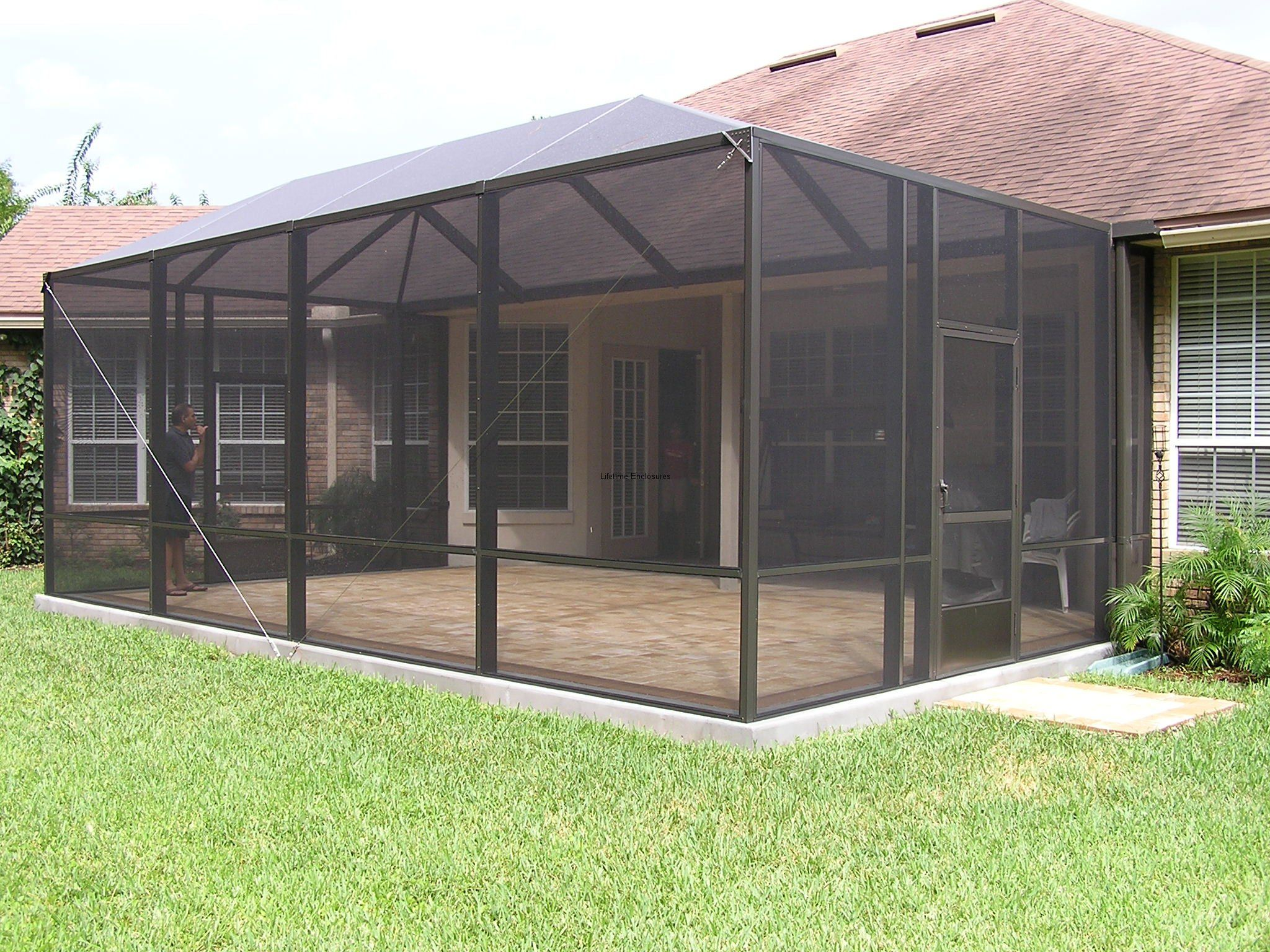 Connecting A Screen Enclosure To A Household House Considerably Expands The Readily Available Living Patio Screen Enclosure Screen Porch Kits Patio Enclosures