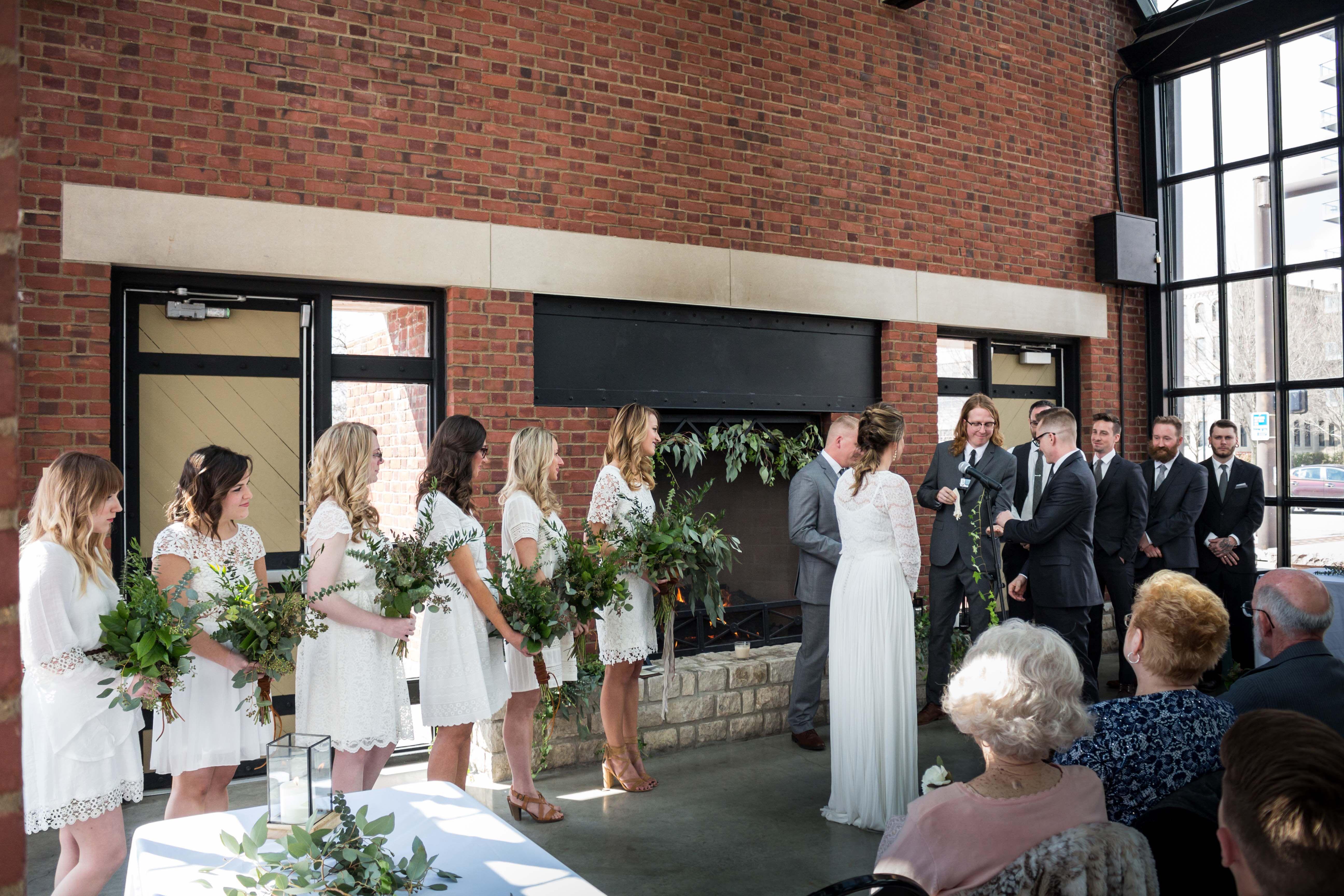 Wedding Ceremony North Bank Park Pavilion Columbus Ohio Wedding Bhldn Bride Photo Greg Davis Florals The Fl Pavilion Wedding Ohio Wedding Venues Wedding