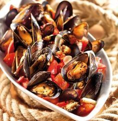 GOSCH Sylt | Miesmuscheln in Tomaten-Knoblauch-Sud - sehr lecker, dazu Aioli #shrimpscampi