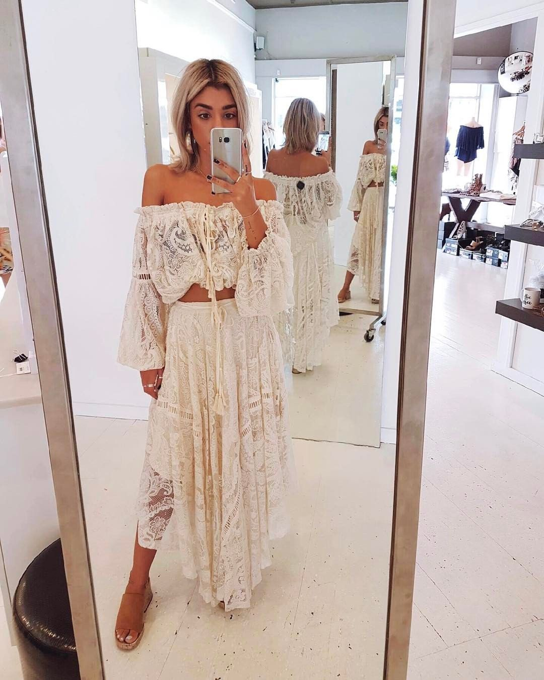 7d022625aa2 Pin by Katie Calderwood Sem on Boho in 2019 | Lace skirt, blouse ...