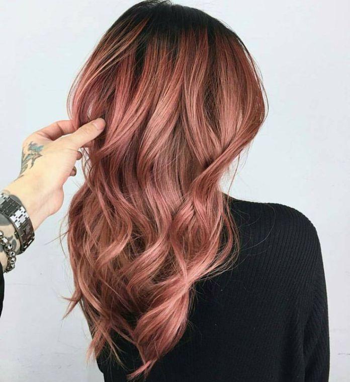 Encantador oro rosa Ideas de color de cabello 2019 para mujeres ... 746e30c34fef