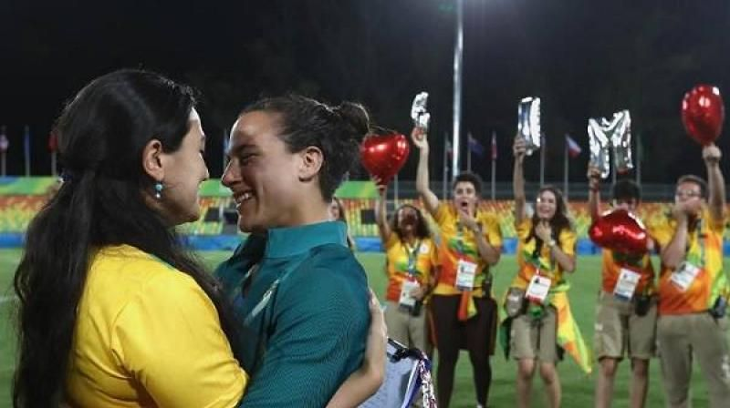 Brazilian womens rugby player accepts marriage proposal at Olympics