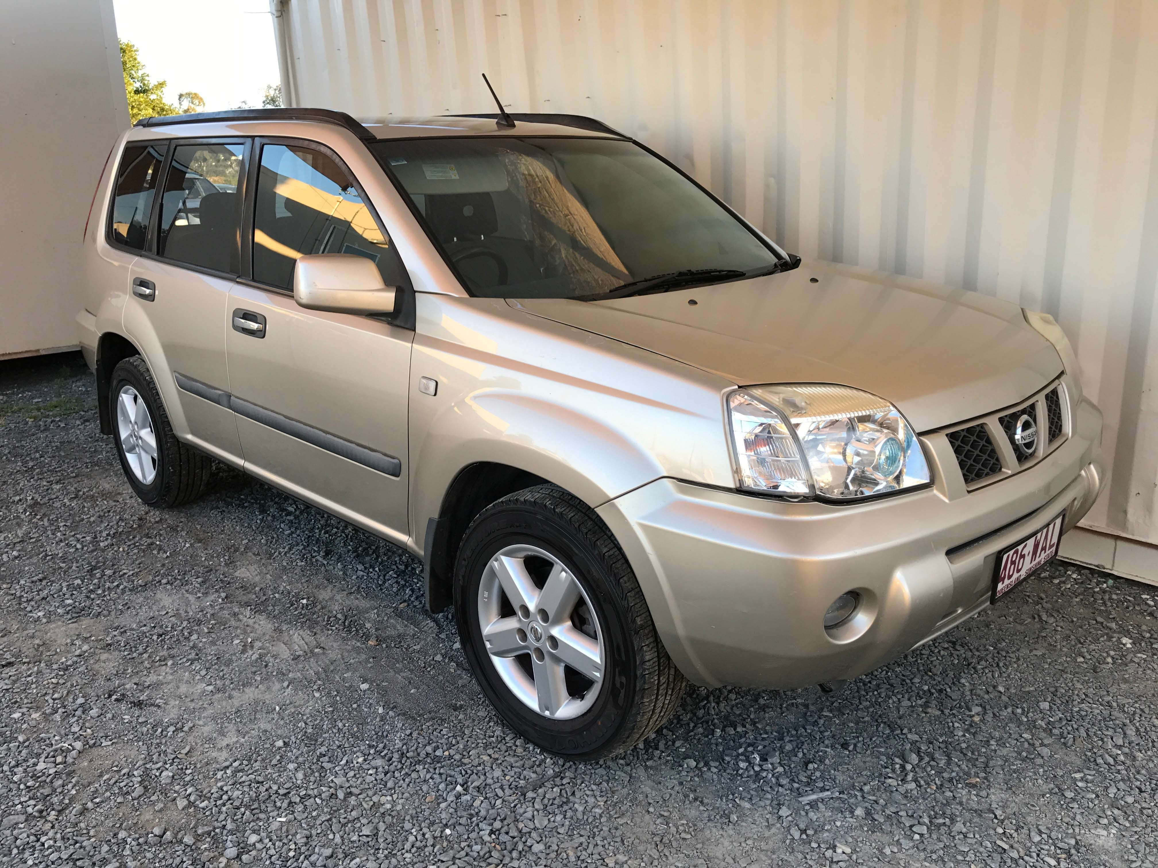 STS 4x4 SUV Nissan XTrail 2006 Gold Cars for sale