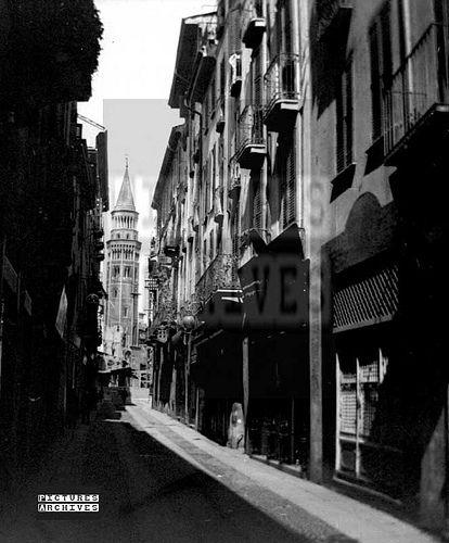 Via Pecorari, scorcio sul campanile di San Gottardo   da Milàn l'era inscì