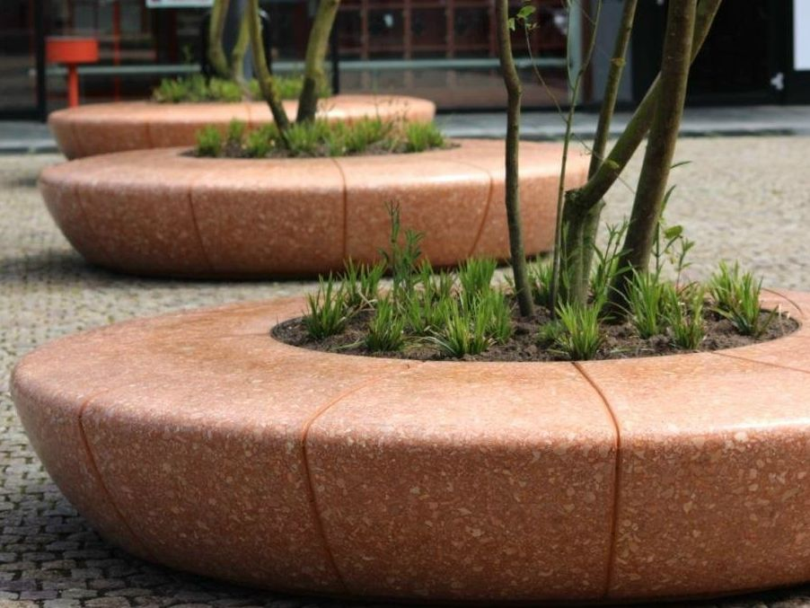 Round Backless Bench With Integrated Planter Olimpo Olimpo Collection By Bellitalia Commercial Landscape Design Planters Planter Design