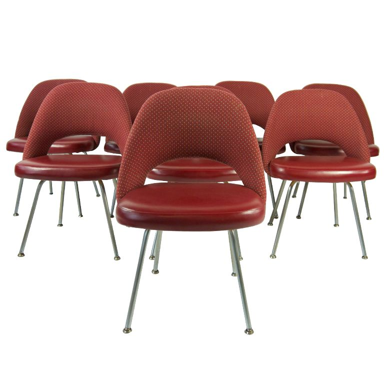 Set Of Eight Vintage Eero Saarinen Chairs For Knoll