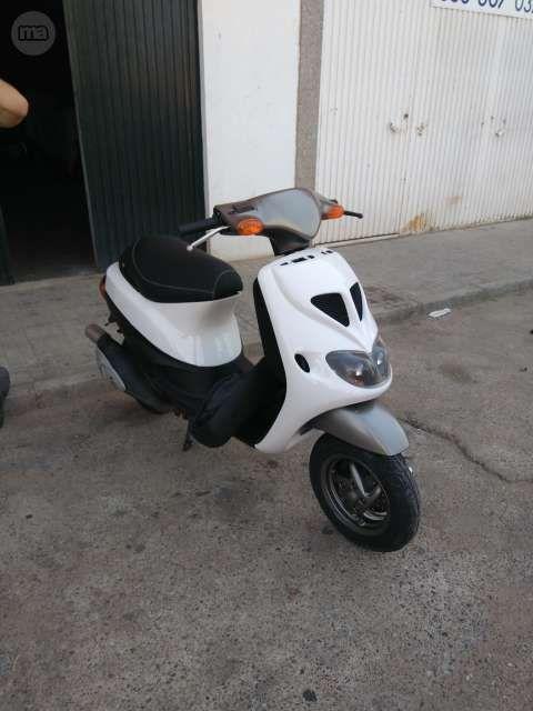 moto scooter zip