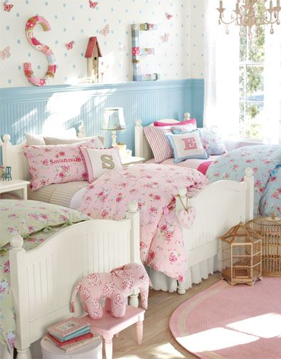 Girls Bedroom. I Love That There Are 3 Beds In A Row. Never Would Amazing Pictures