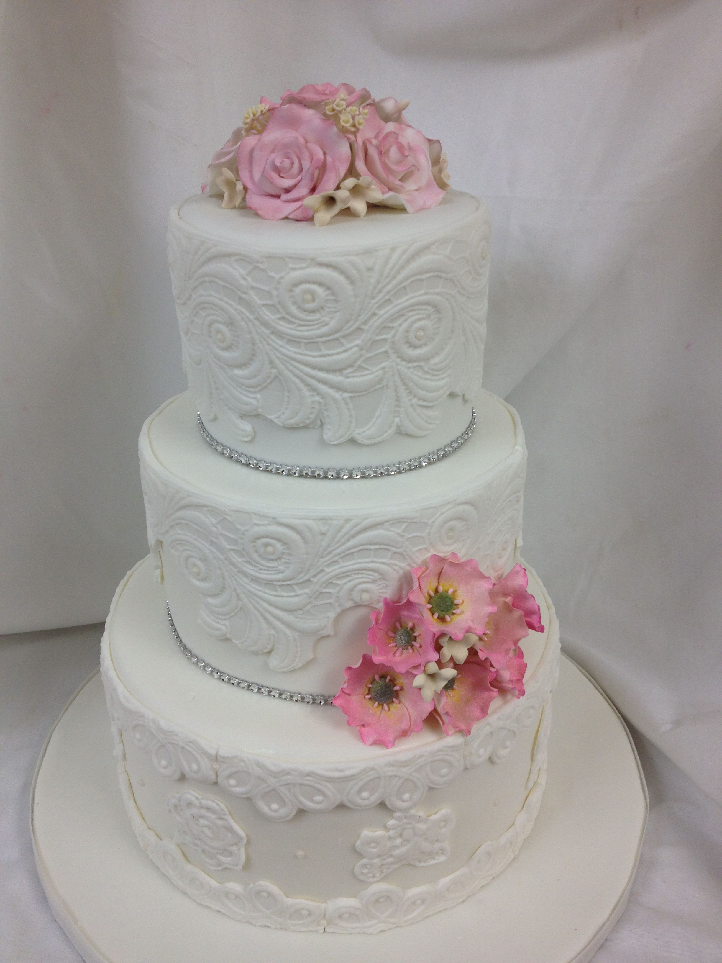 Awesome Kreation From Our Sister Company Kake Kreations In Whitby ON Kakekreations SistersAwesomeSugarAmazing CakesWedding Cakes