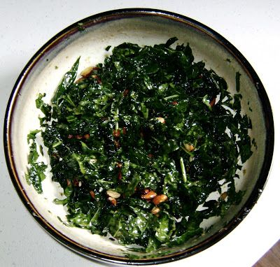 I ♥ kale: Raw Kale Salad with Tamari-Roasted Almonds
