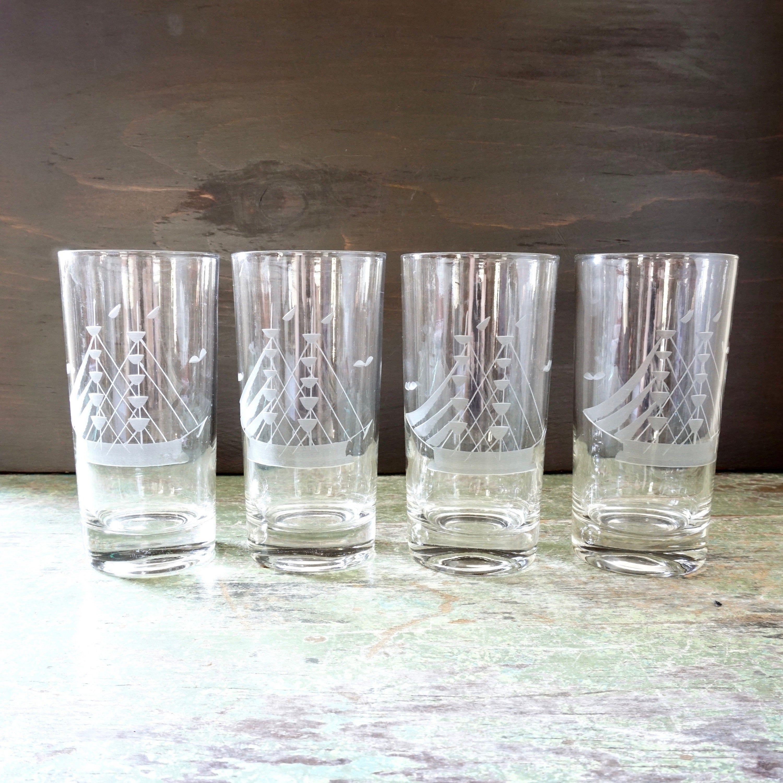 Vintage Glasses Ship Etched Design Set Of 4 Hi Ball Tall Ships Etsy Vintage Glasses Etched Designs Clear Glass