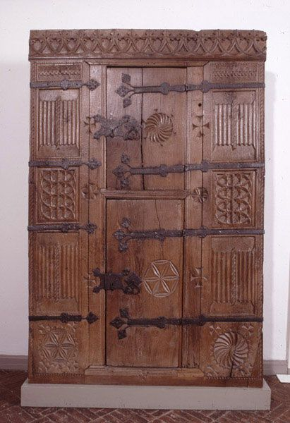 Gotischer Schrank Museumsberg Flensburg Medieval Furniture Medieval Decor Gothic Furniture