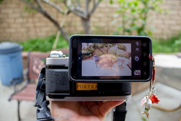 Make a Super Simple Smartphone to SLR Adapter Using an Extra Eyepiece
