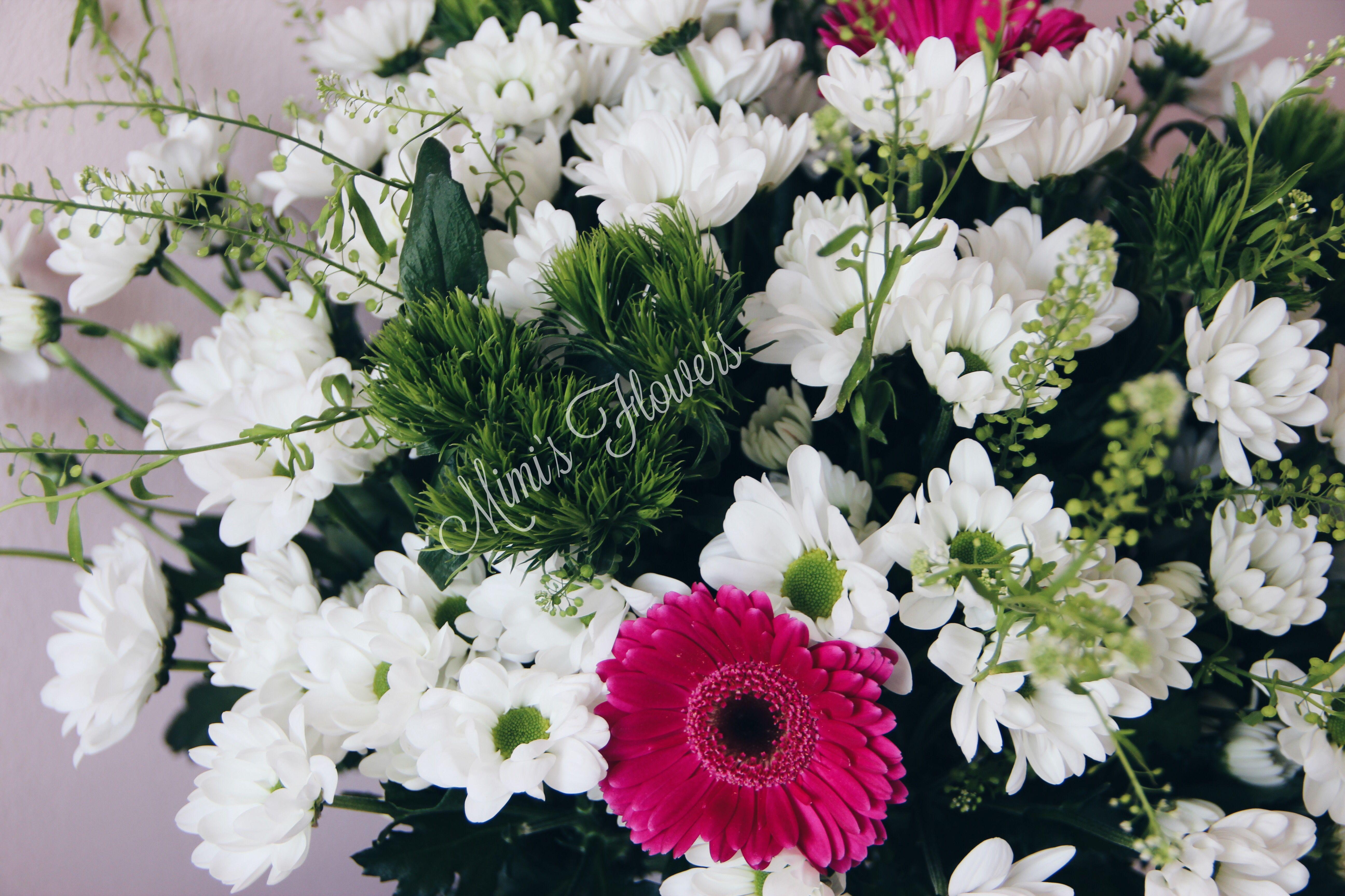 Bei Uns Konnt Ihr Frische Strausse Bestellen Wir Liefern Sie Kostenlose Euch Nach Hause Bestellt Ihre Blumen Auf Die Bequemste We Blumenstrauss Blumen Strauss