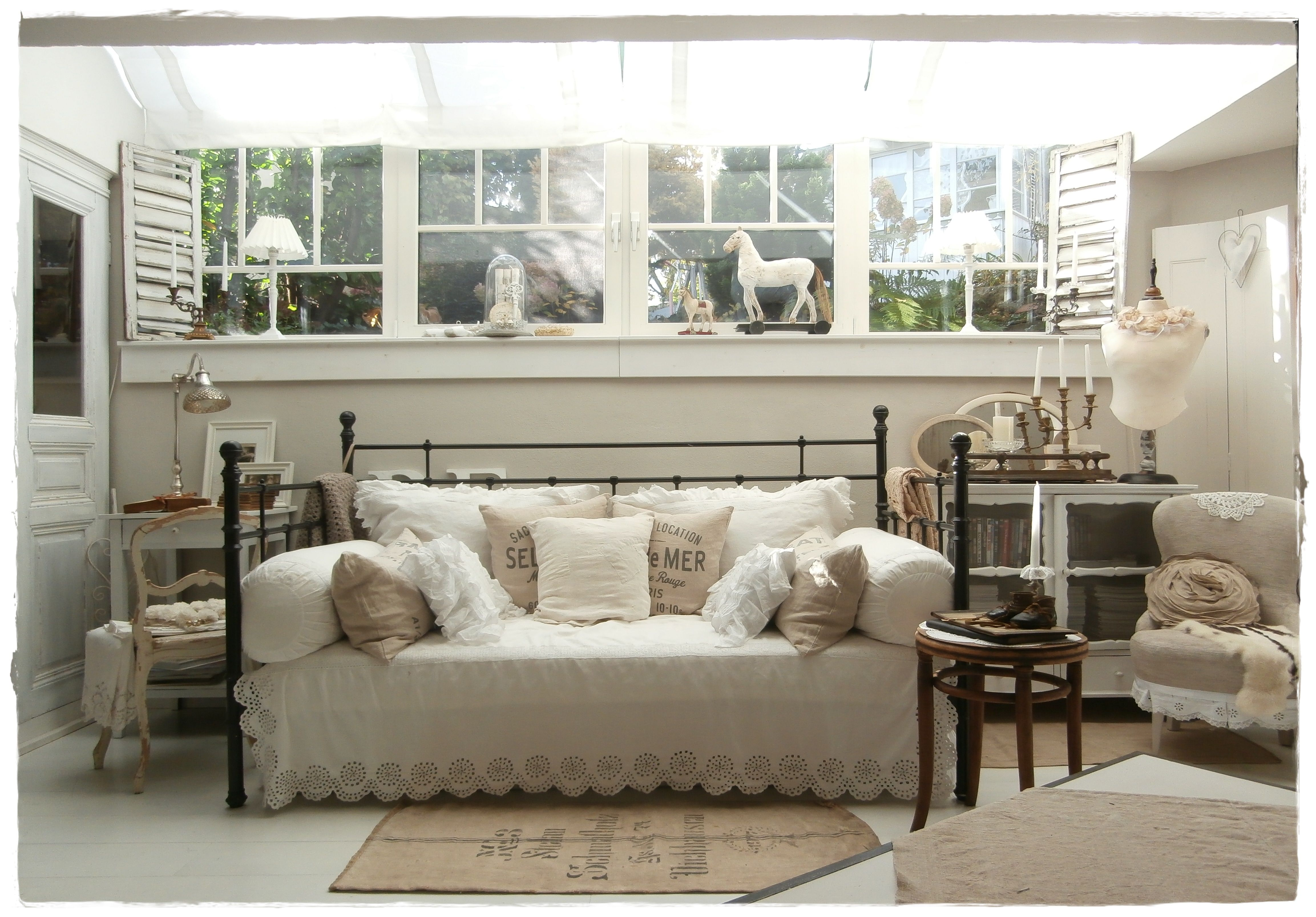 wohnzimmer livingroom shabby chic shabbylandhaus pinterest shabby chic shabby und wohnzimmer. Black Bedroom Furniture Sets. Home Design Ideas