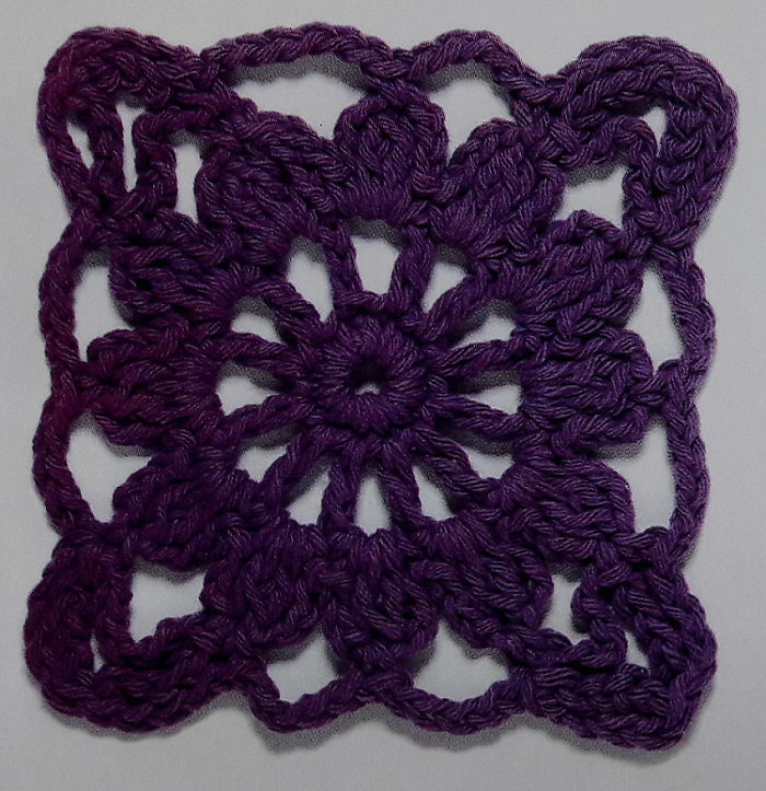cuadrados tejidos con ganchillo o a crochet granny flor violeta ...