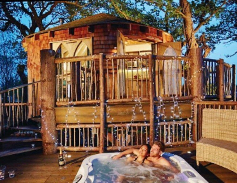 Uk Getaway Any Plans For Valentine S Day Why Not Try Out One Of Our Romantic Get Away Breaks On The Isle Of Wight W Secluded Tree House Cabins In The Woods