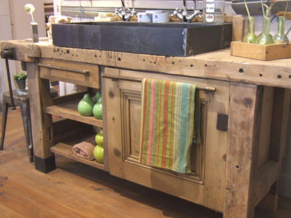 La Maison Fabriquer Un Meuble De Salle De Bain Avec Des Meubles De Cuisine Cuisine Avec Meuble Ancien Etabli Fa Meuble Evier Meuble Cuisine Meuble Evier Ikea