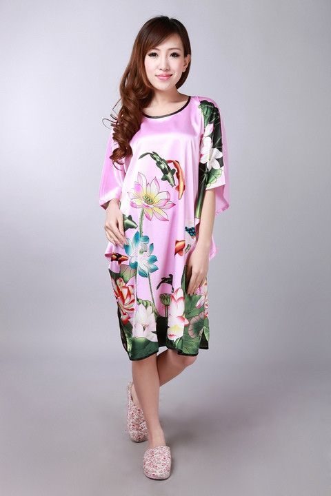 Brand New White Women Faux Silk Robe Chinese Printed Sleepwear Novelty Kimono Kaftan Nightgown Summer Nightdress One Size WC066