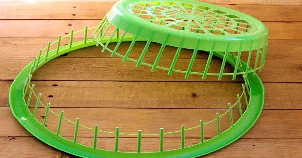 http://artsandcrafts.diyeverywhere.com/2017/06/16/this-dollar-store-laundry-basket-upcycling-technique-is-going-viral-7-projects/?src=fbfan_60379&t=fbad&up=20170830&k=lgvt1v1saau00058#article #rangloo, #bar, #accessories