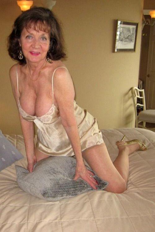 Kinky Grannies 121
