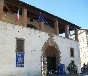 Piazzale Verdi (Ufficio Informazioni), Lucca