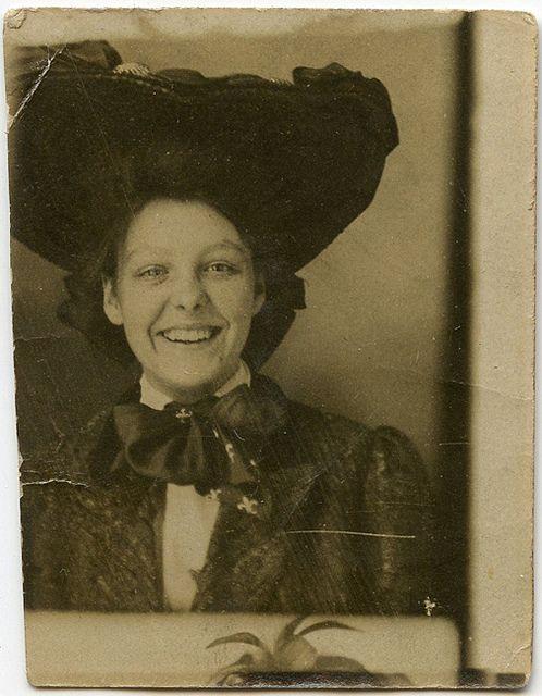 Vintage 5 x 7 original photography Little boy smiling Bow-tie Collector piece 40/'s Portrait