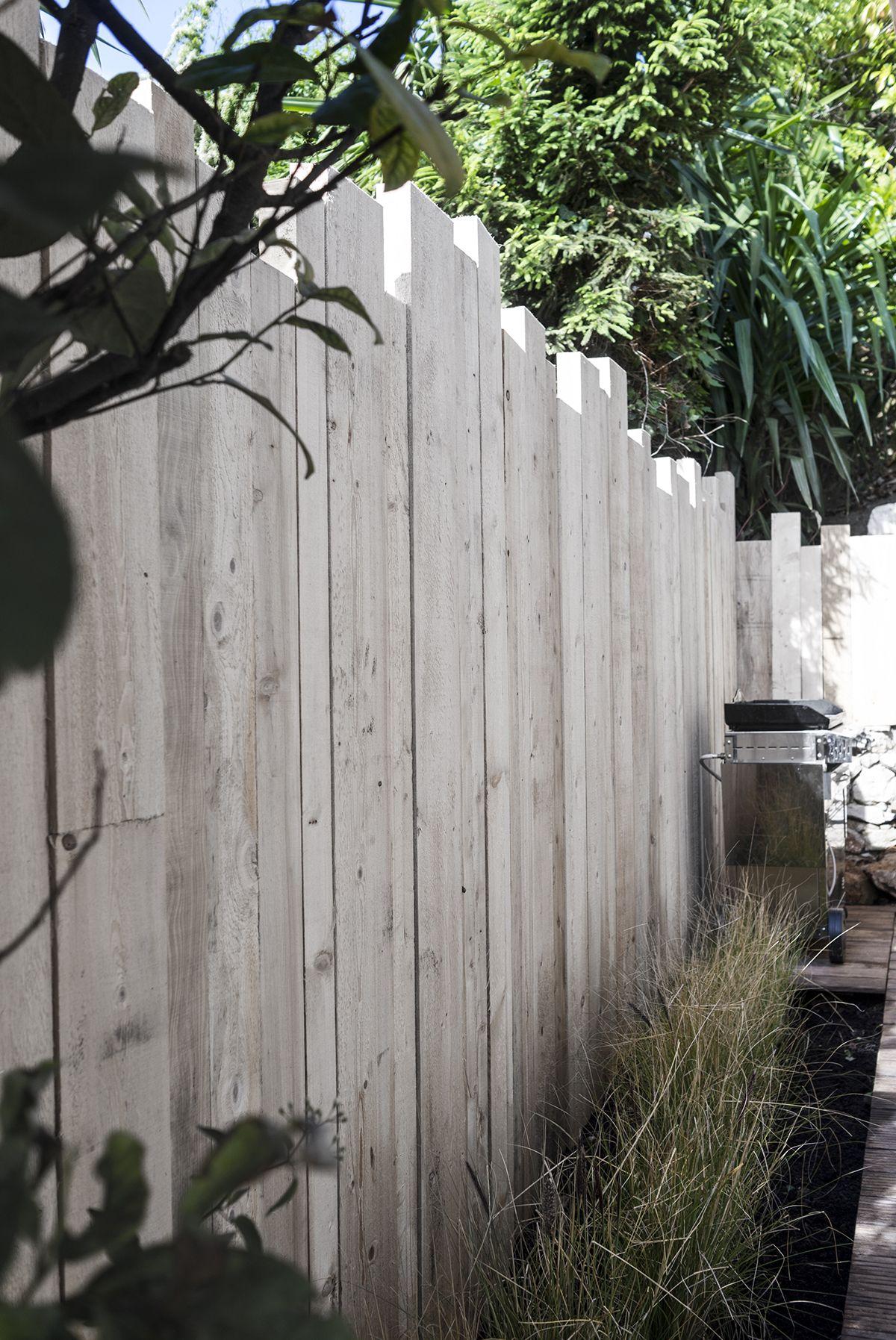 Ya Atelier Pallissade En Madrier Cloture Jardin Terrasse Jardin