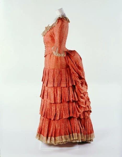 Dress+Liberty+&+Co.,+1881-1882.jpg (466×600)