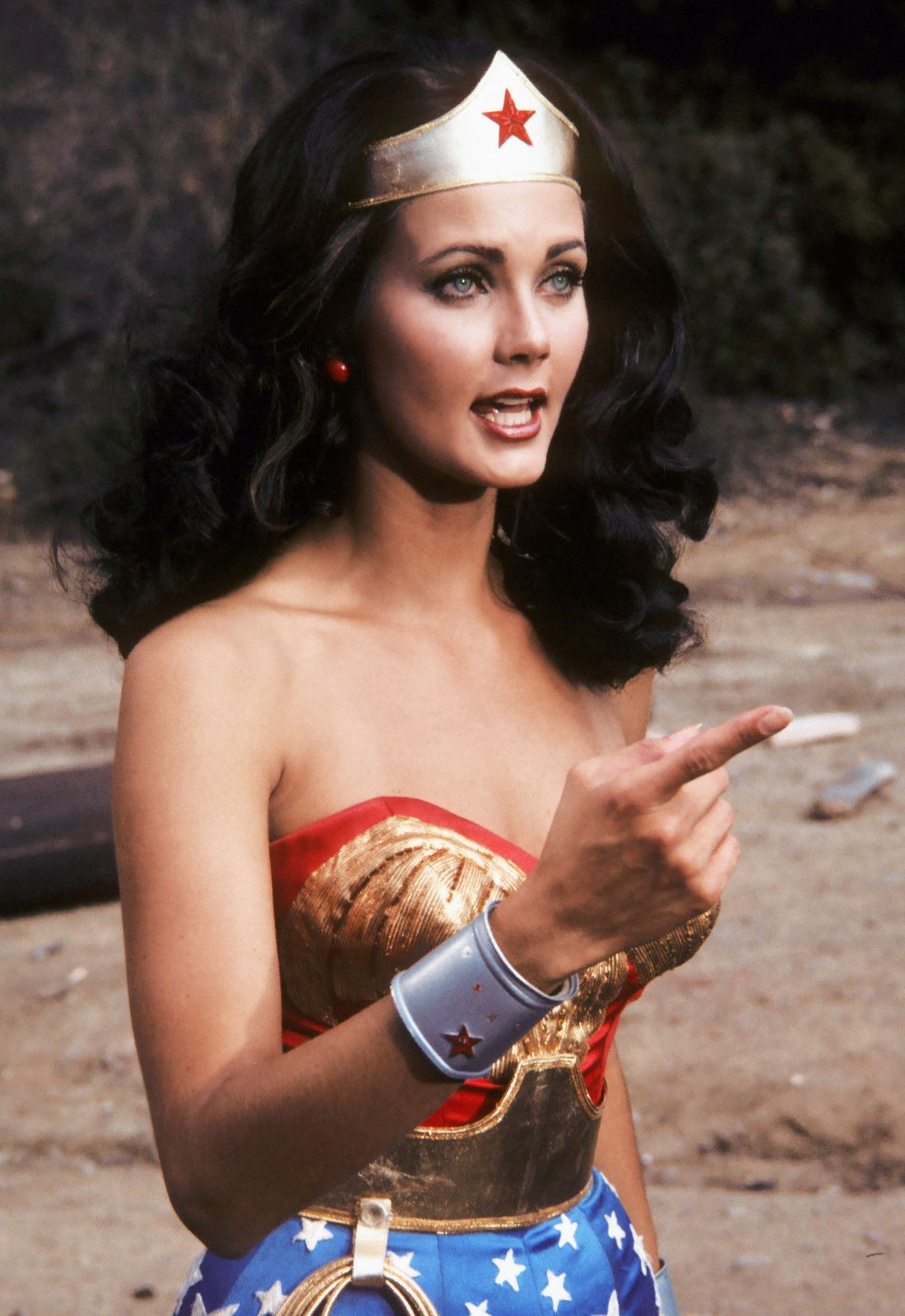 Lynda Carter As Wonder Woman  Promotional By Wbtv 1979  Movies, Music  Wonder Woman, Lynda Carter, Superhero-2596