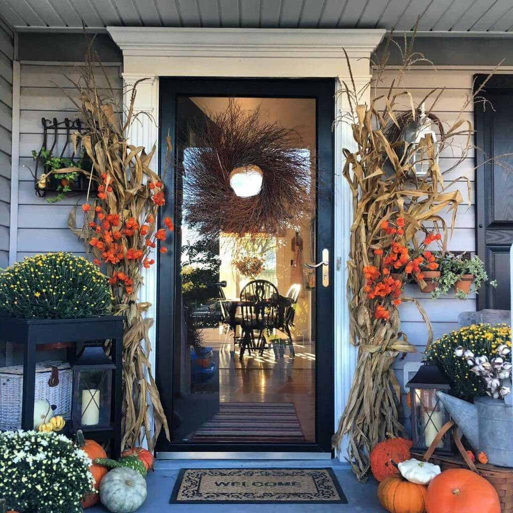 43 Easy Fall Porch Decoration Ideas To Make Unforgettable Moments images