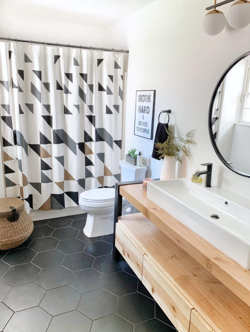 This is one of my favorite guest bathroom makeovers ever! With just a few small changes, thisguest bathroom makeover made a big impact. We started the updates with a few temporary changes that would update… The post Sandi's Guest Bathroom Makeover appeared first on The Spoiled Home. #TheSpoiledHome #GuestBathroom #Bathroom #BathroomRemodel #BathroomMakeover