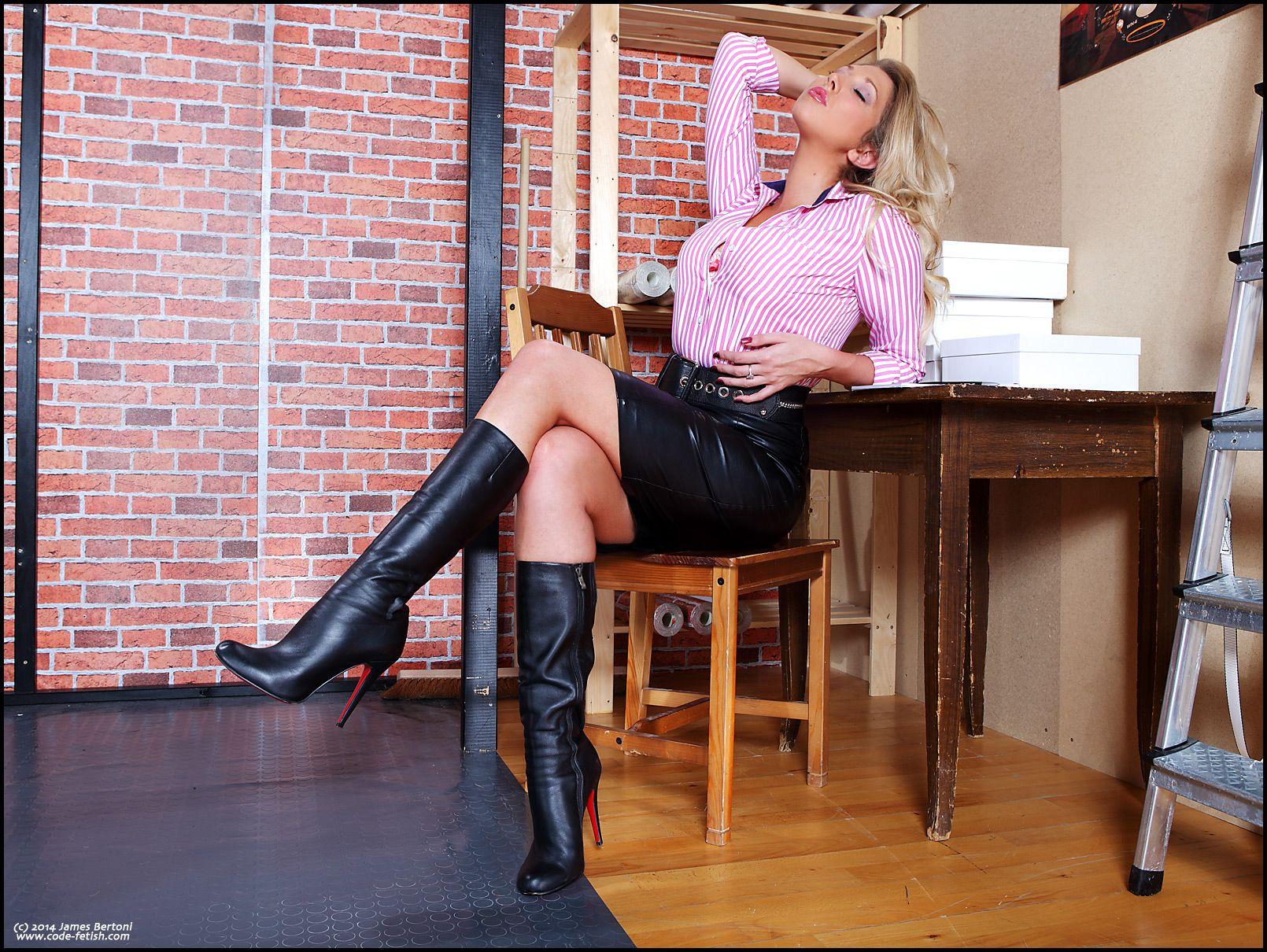 Blonde Office Looks Leather Skirt Boots
