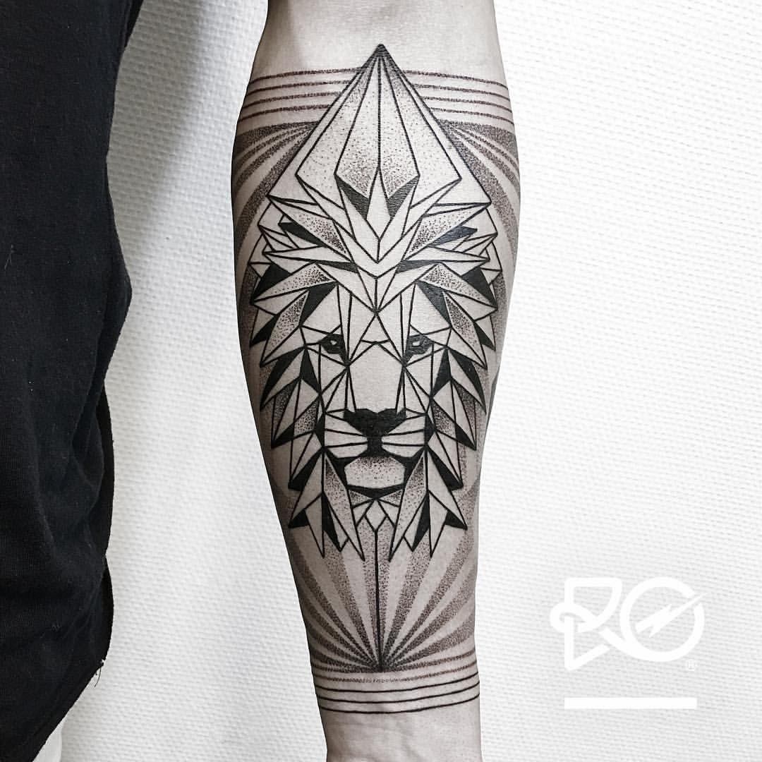 tatuaje geometr a del le n tatouages leeuwentatoeage tatoeage idee n et tatoeages. Black Bedroom Furniture Sets. Home Design Ideas