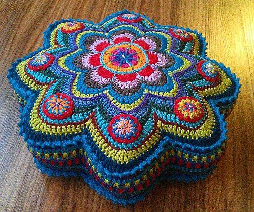 Livre numérique créatif: coussin au crochet BANJU – mélange de couleurs   – Häkeln und Stricken