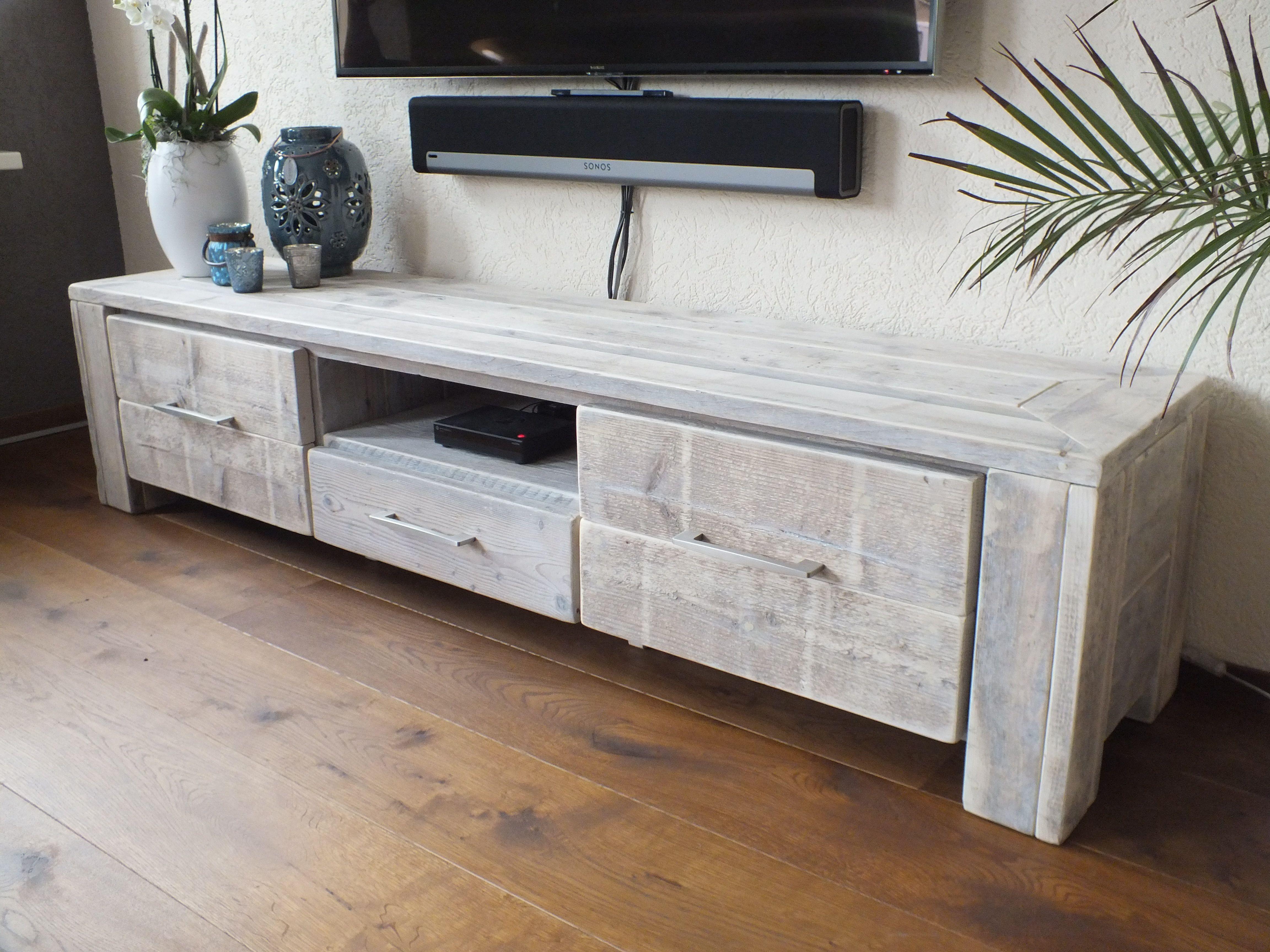 Steigerhouten Meubels Friesland : Tv audio meubel gemaakt van oud steigerhout de meubels worden