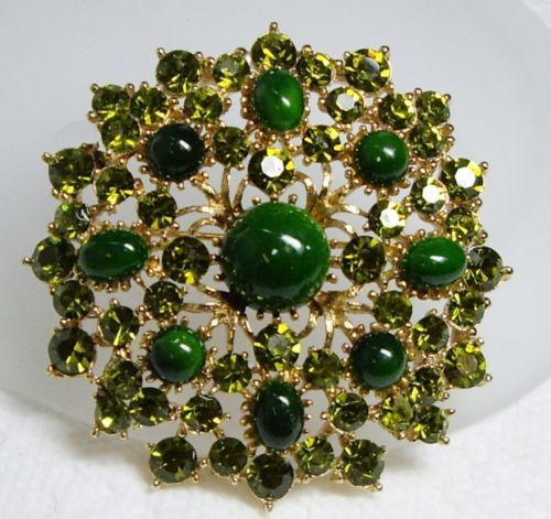 SUPER~ Vintage WEISS Jade Green Glass Cabochon & Olivine Rhinestone Pin Brooch