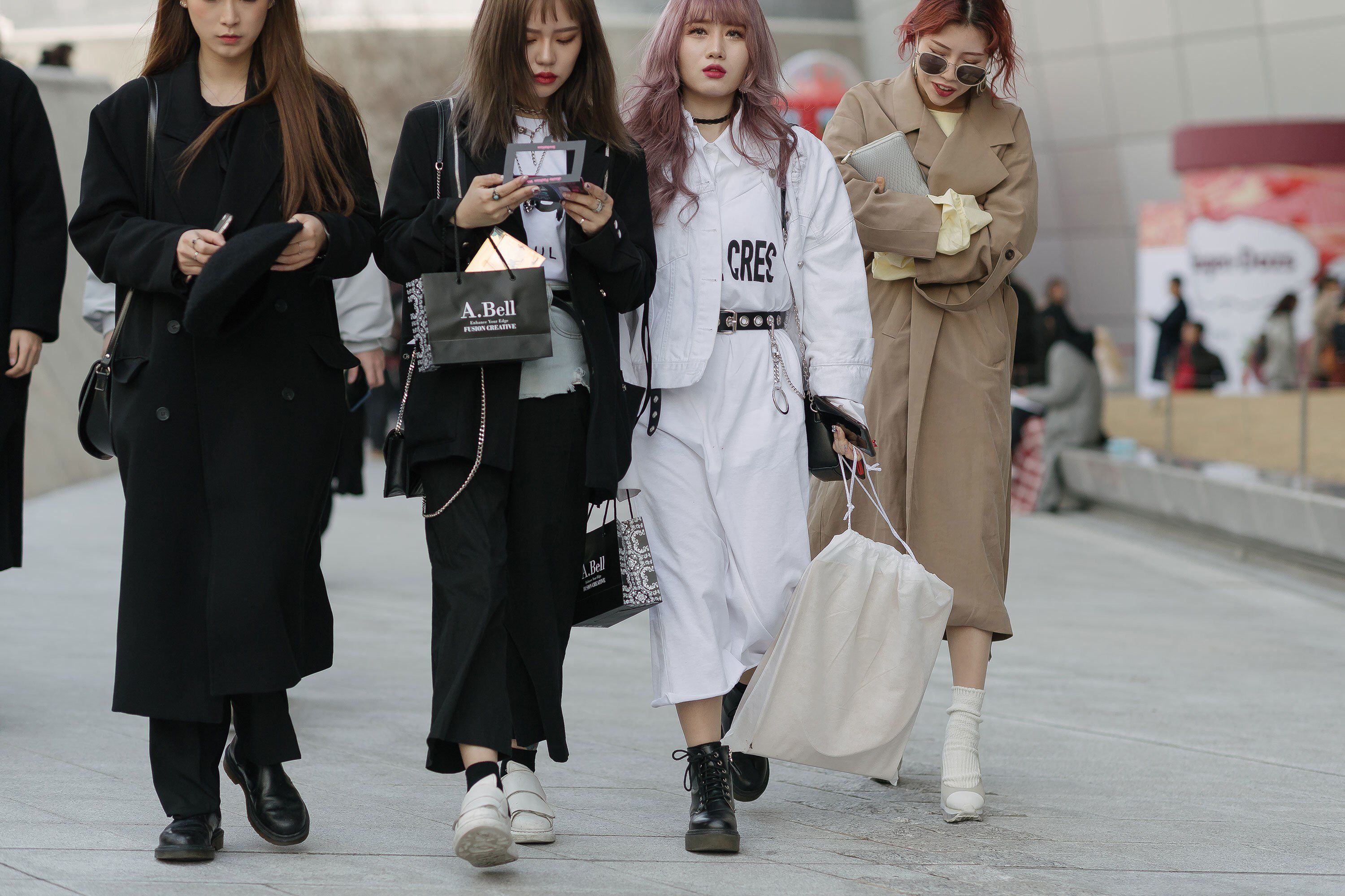 The Best Street Style From Seoul Fashion Week Fall 18 Seoul