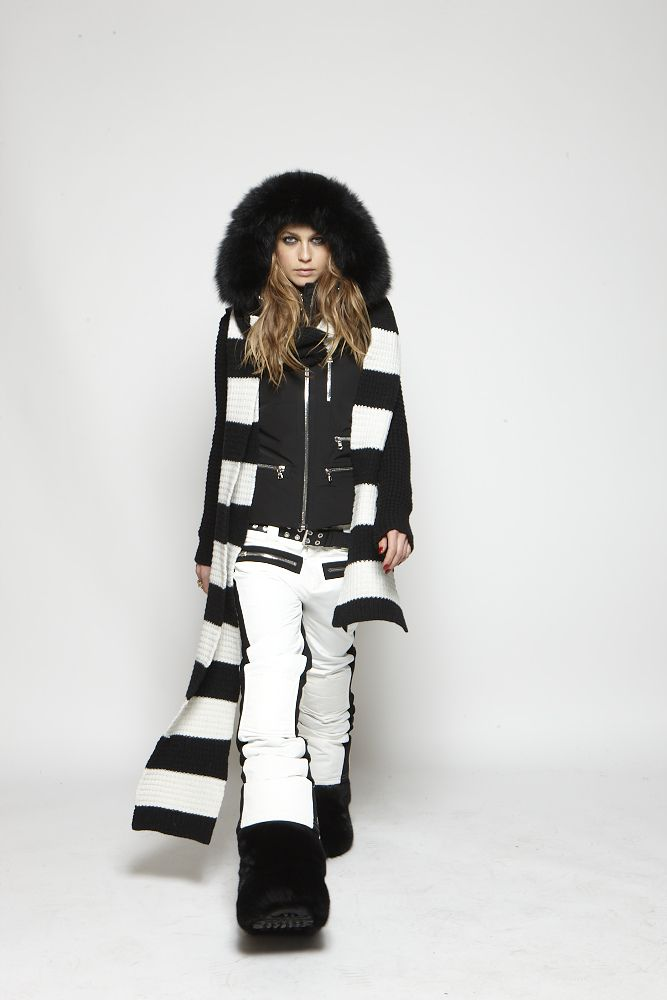 SOS Sportswear at www.reyerlooks.com  f895441cf