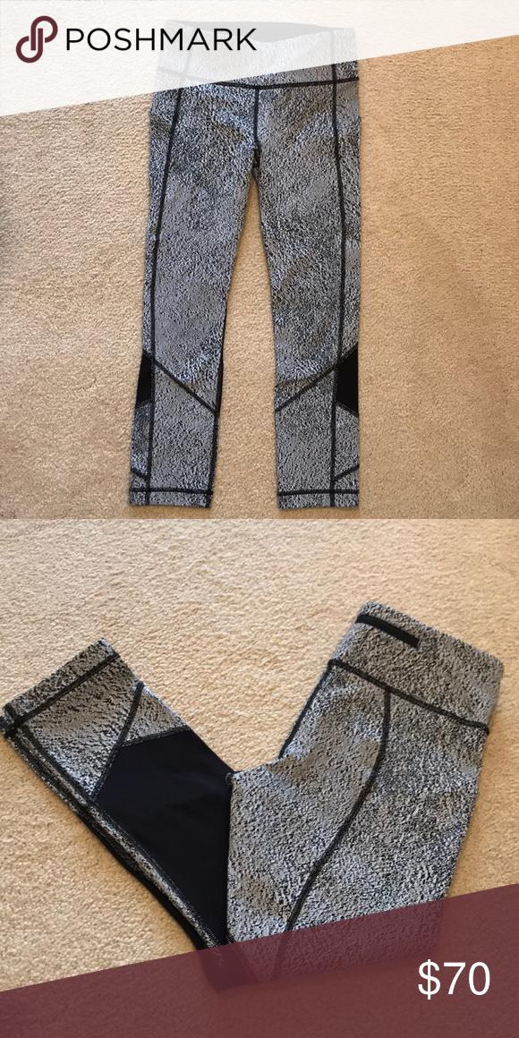 5d8c423e0 Lululemon leggings Grey