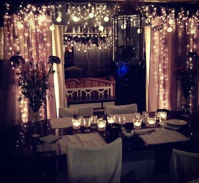 Small and romantic wedding idea wedding inspiration for Room decor with fairy lights