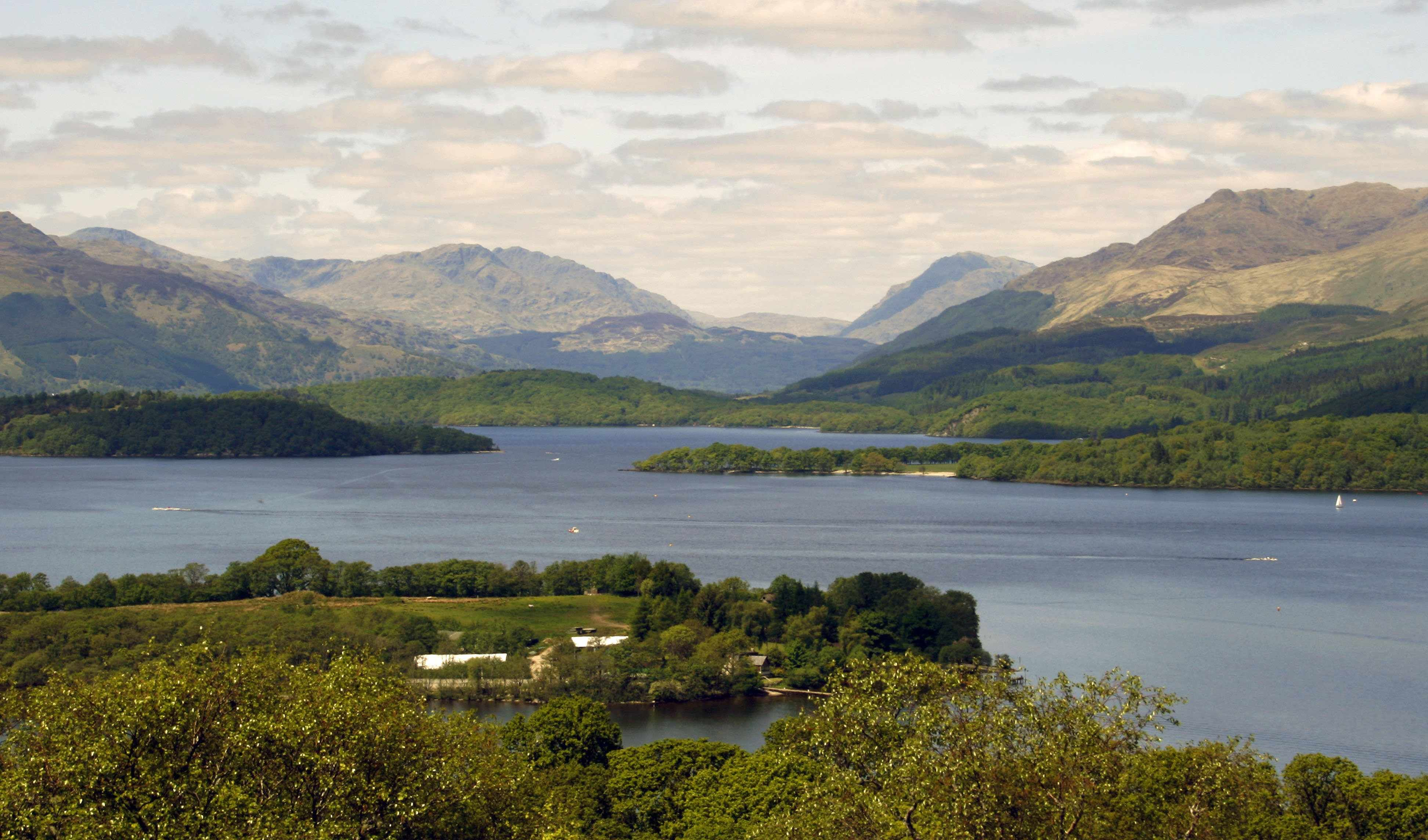 The Loch | Loch Lomond .net #lochlomond