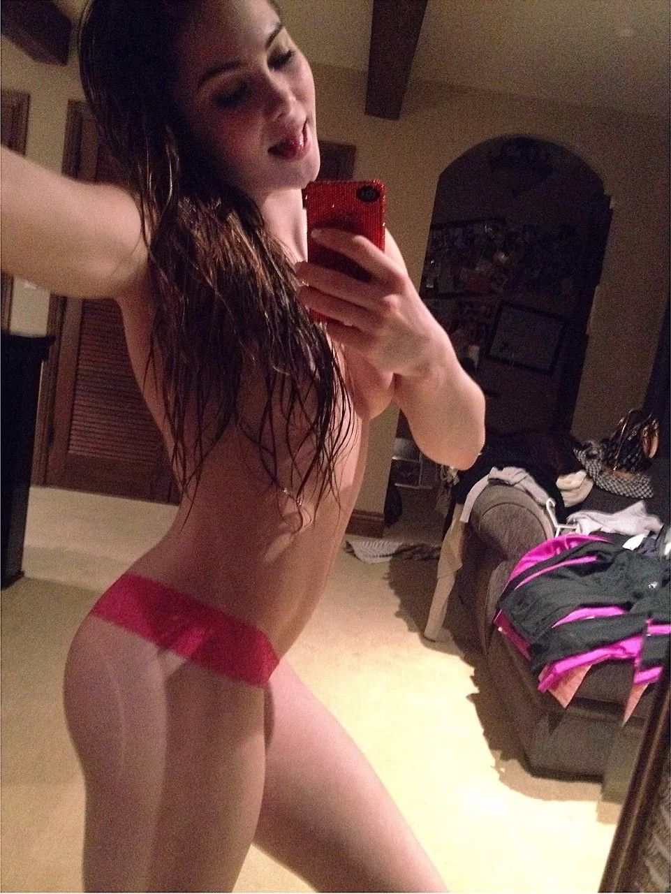 McKayla Maroney Nude Cell Phone Pics Leaked - 2019 year