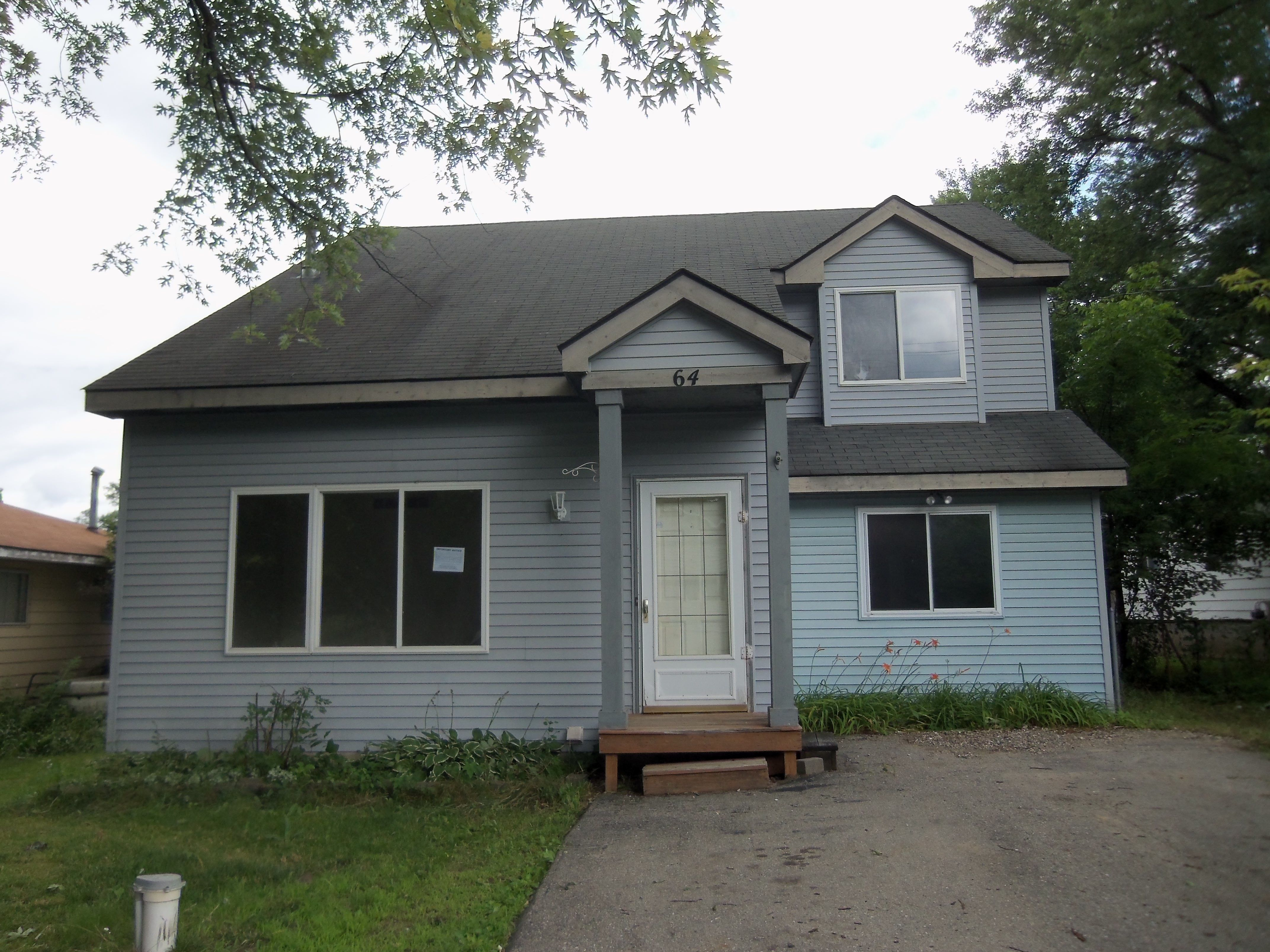 64 Shotwell St White Lake Mi For Sale Powered By Postlets Hud Homes Fenced In Yard White Lake