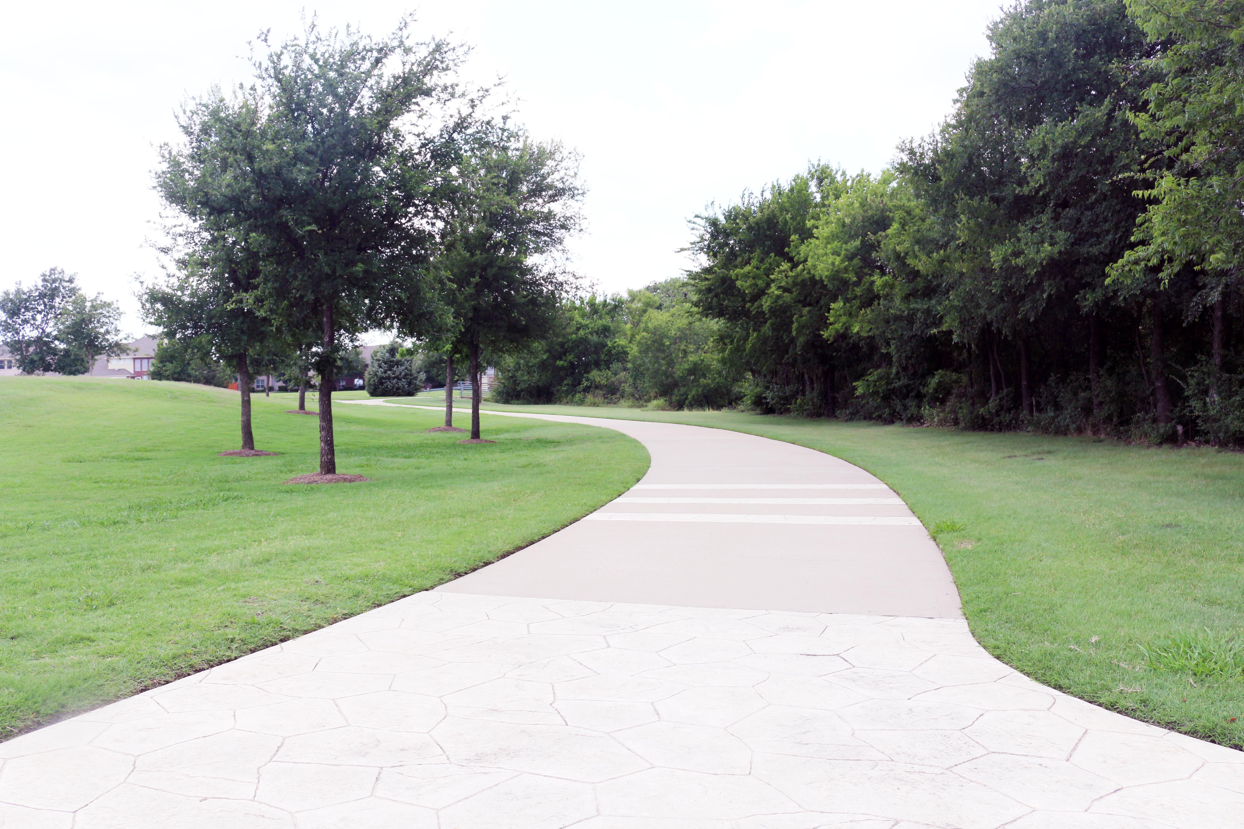 Hiking Trails At Limestone Quarry Park In Frisco