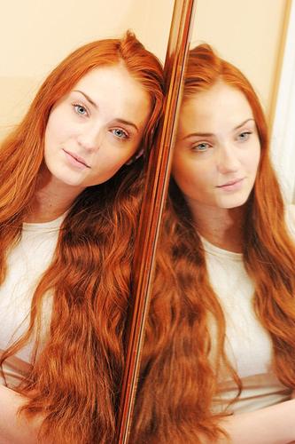 Game Of Thrones Sansa Stark S Southern Style Hair Idea Sansa Stark Hair Hair Styles Hair