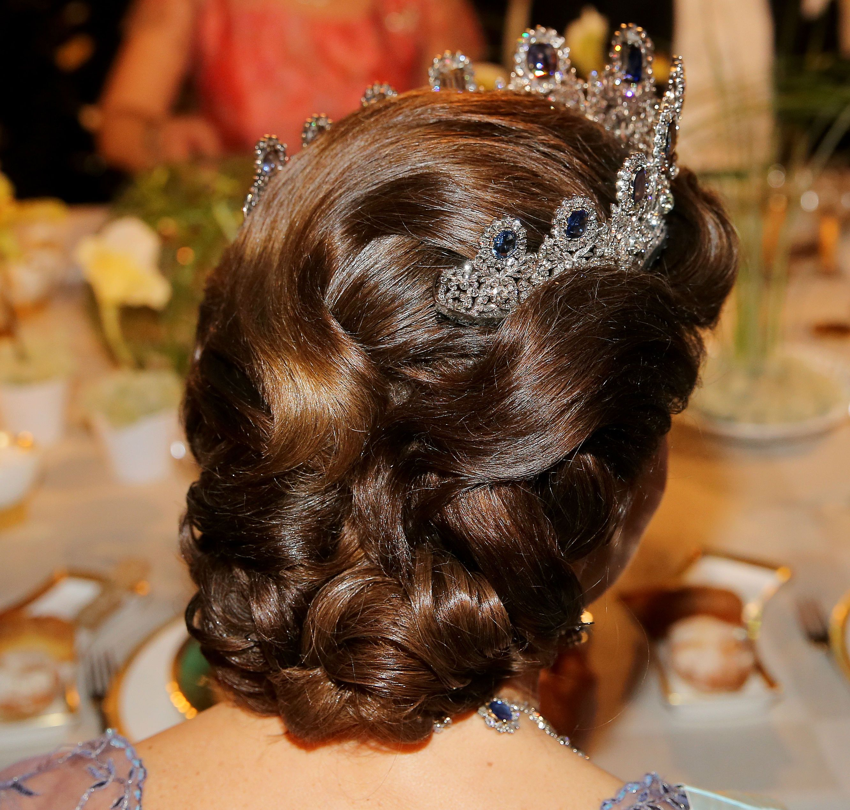 queen silvia of sweden nobel-hairstyle