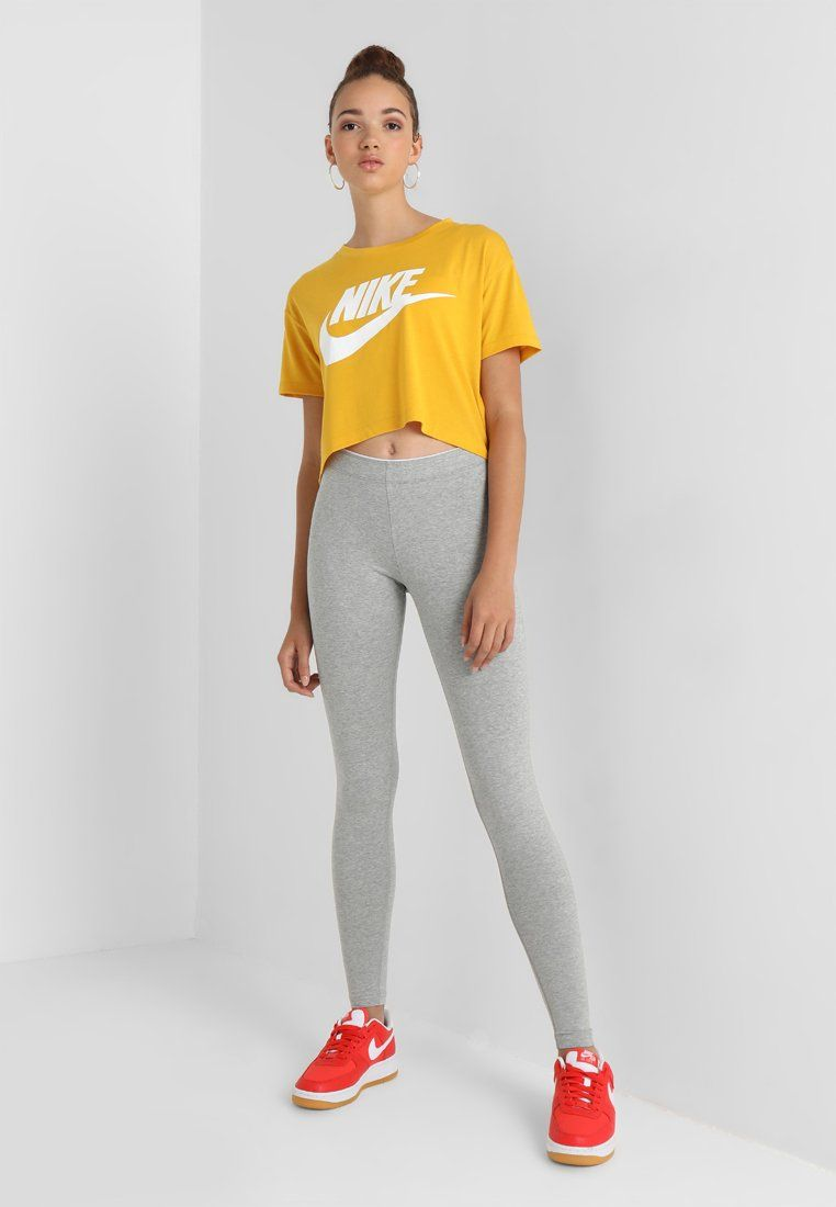 Nike Sportswear Crop T Shirt Imprime Yellow Ochre White Zalando Be Nike Shirts Women Nike Shirts For Girls Altering Clothes [ 1100 x 762 Pixel ]