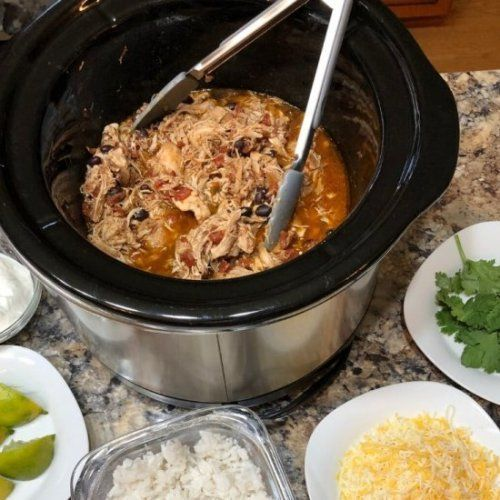 Crock Pot Mexican Shredded ChickenMaking a batch of this easy...  Crock Pot Mexican Shredded Chicken  Making a batch of this easy recipe gives you a healthy dinner with oodles of options! Use the shredded chicken for tacos and burrito bowls! #shreddedchickentacos Crock Pot Mexican Shredded ChickenMaking a batch of this easy...  Crock Pot Mexican Shredded Chicken  Making a batch of this easy recipe gives you a healthy dinner with oodles of options! Use the shredded chicken for tacos and burrito b #shreddedchickentacos