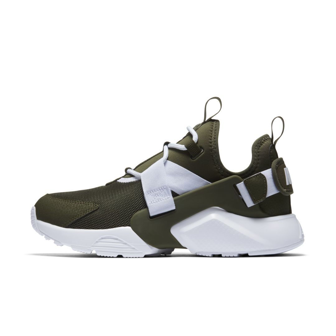 newest af75e b61ac Nike Air Huarache City Low Women s Shoe Size 8 (Cargo Khaki)